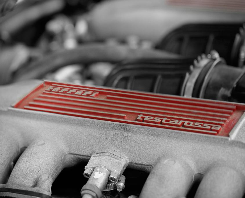 Restauration automobile de prestige : ferrari-testarossa-zoom-moteur