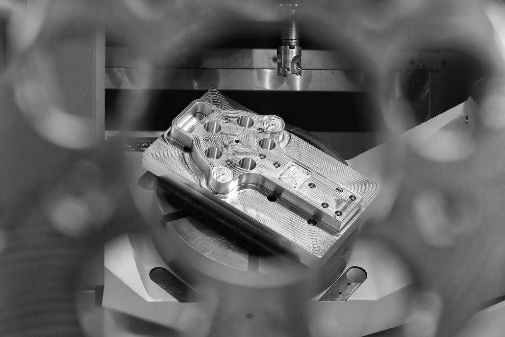 Usinage de pièces hors norme : outils-setup-genos460