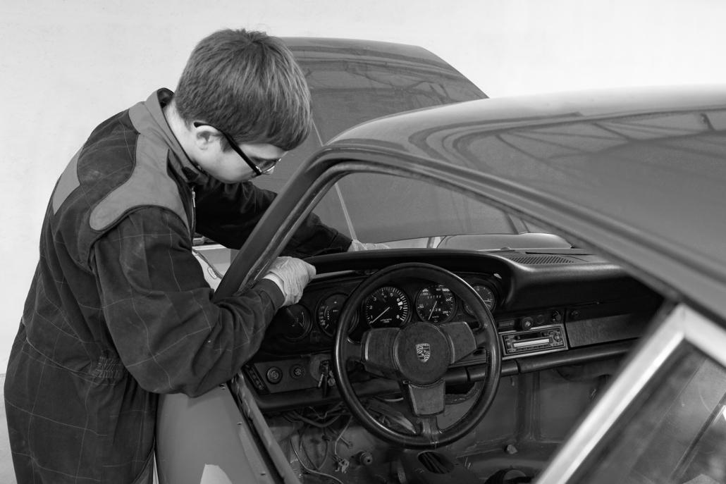 Restauration automobile de prestige : porsche-2-7-4